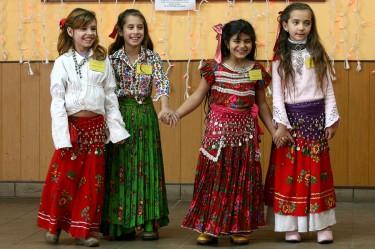 Снимка: Веси, Румънски момичета